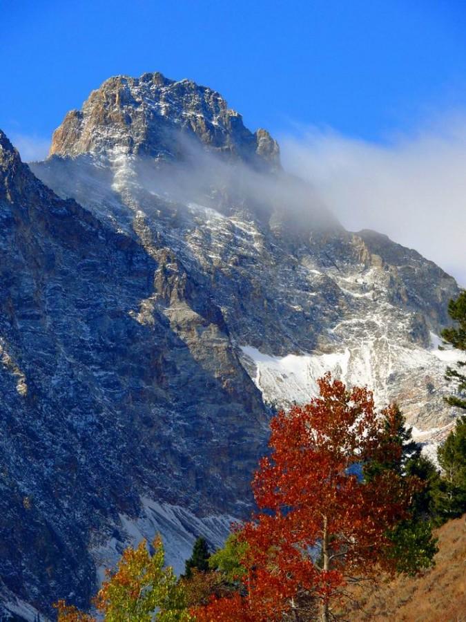 One of the many moods of Thompson Peak. Basil Service Photo.