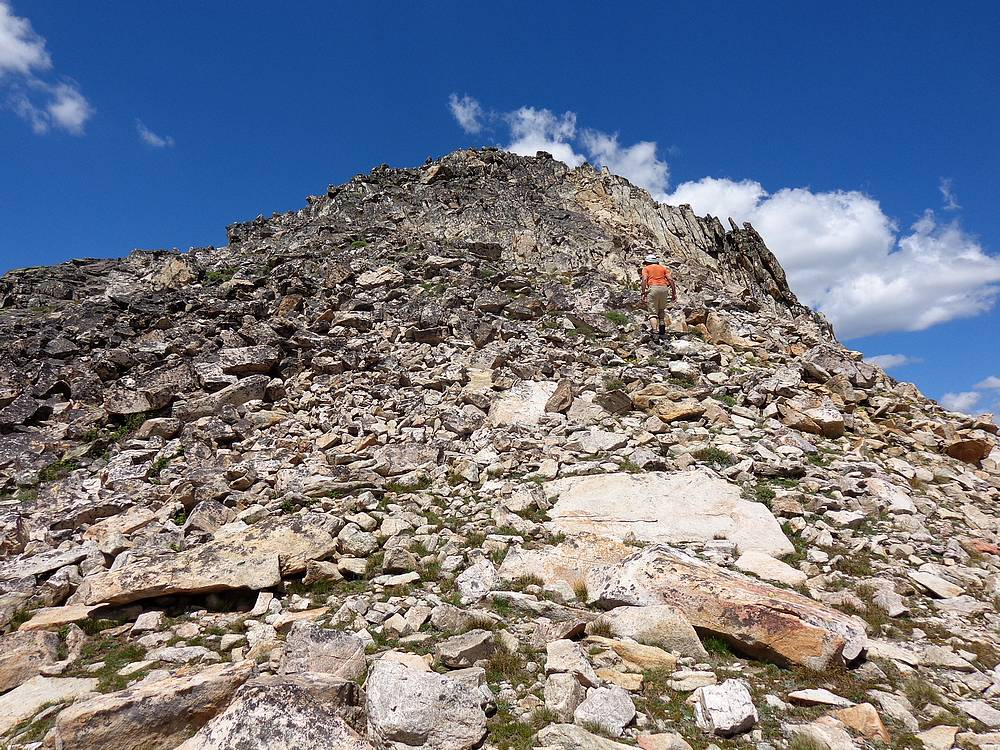 John Platt ascending Pistol Rock. Dave Pahlas Photo