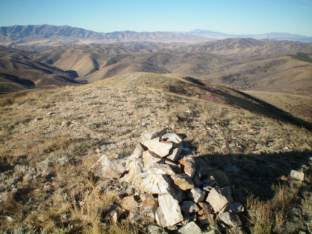 Looking down the west ridge of Quaking Aspen Mountain from the summit. Livingston Douglas Photo