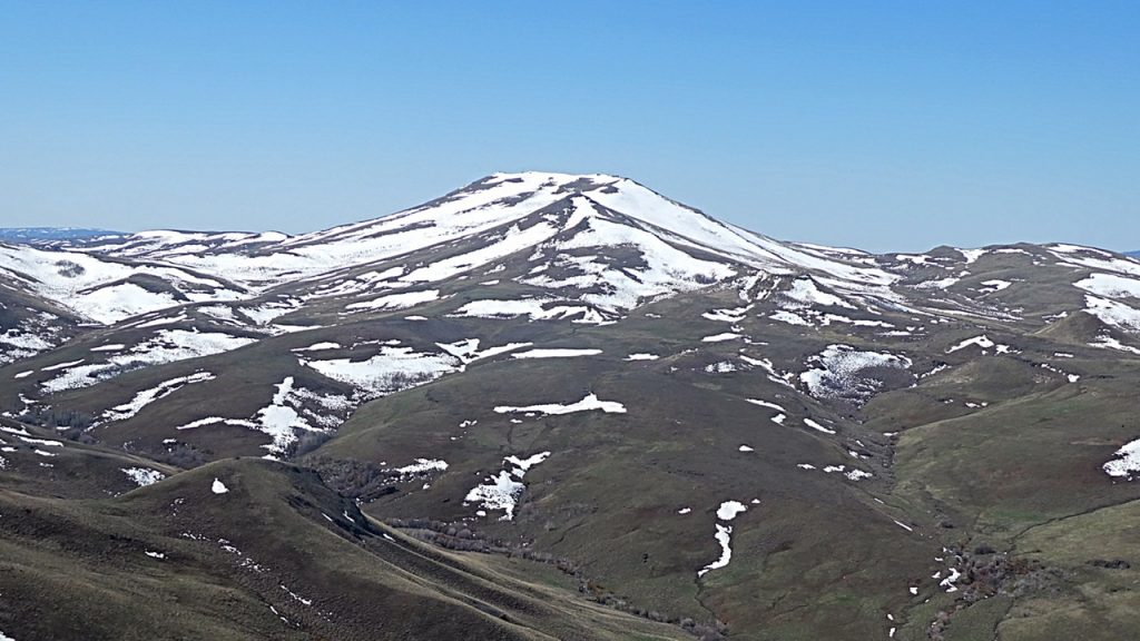 Squaw Butte viewed from Peak 6311.