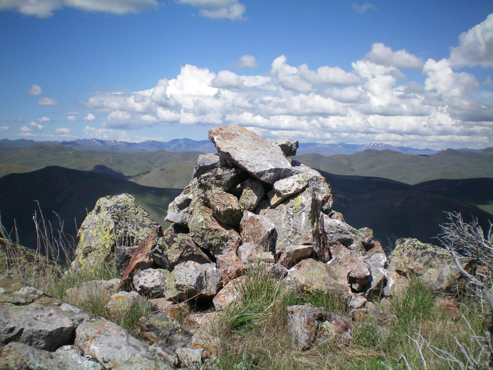The summit cairn atop Peak 6684. Livingston Douglas Photo