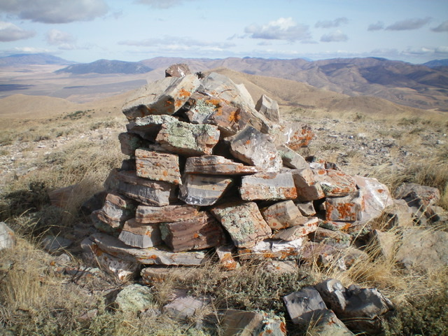 The large summit cairn atop North Hansel Mountains HP. Livingston Douglas Photo