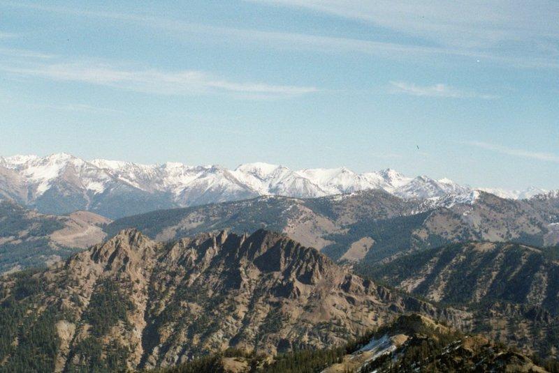 Peak 9367 from Mount Vienna.