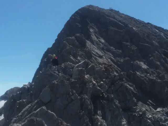 Kevin Hansen nearing the summit. Thierry Legrain Photo