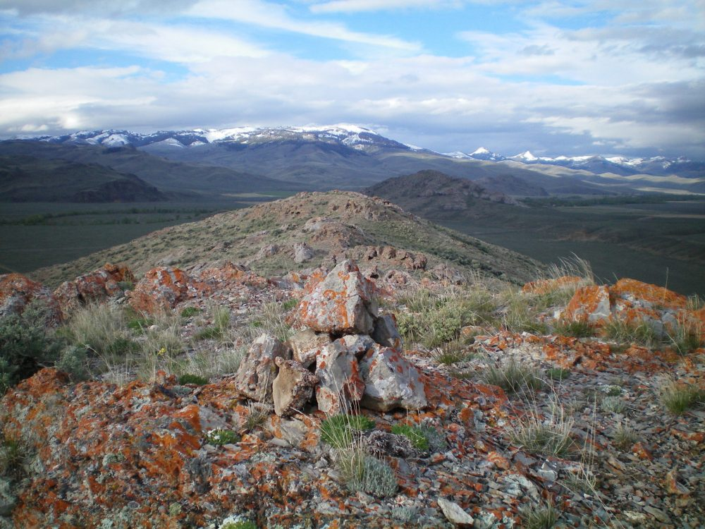 The summit cairn atop South Chilly Butte, looking southward. Livingston Douglas Photo