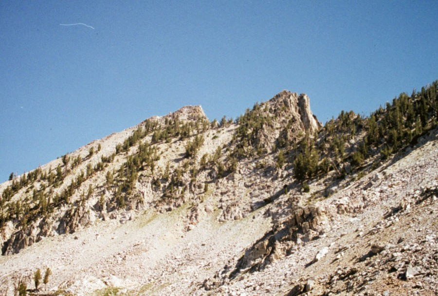 Blacknose Mountain from Queens Pass.