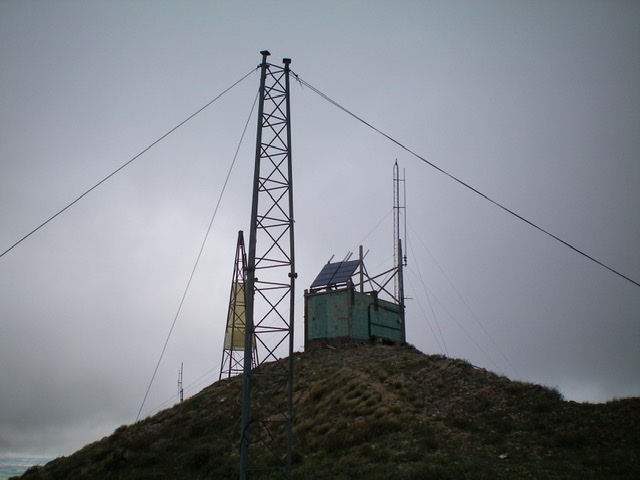 The antenna-clad summit of Taylor Mountain. Livingston Douglas Photo