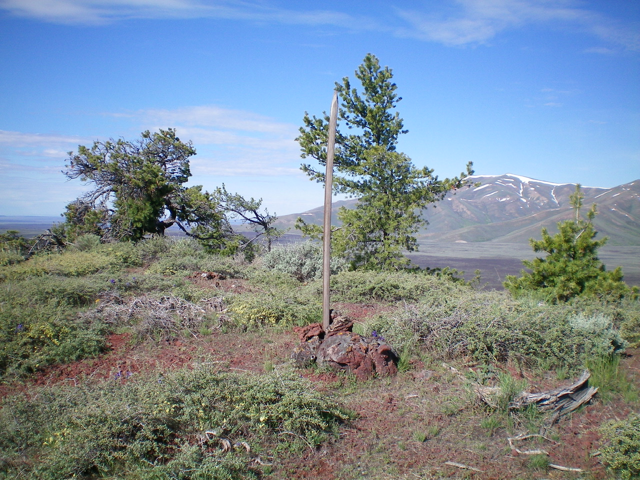 The summit area of Silent Cone. Livingston Douglas Photo