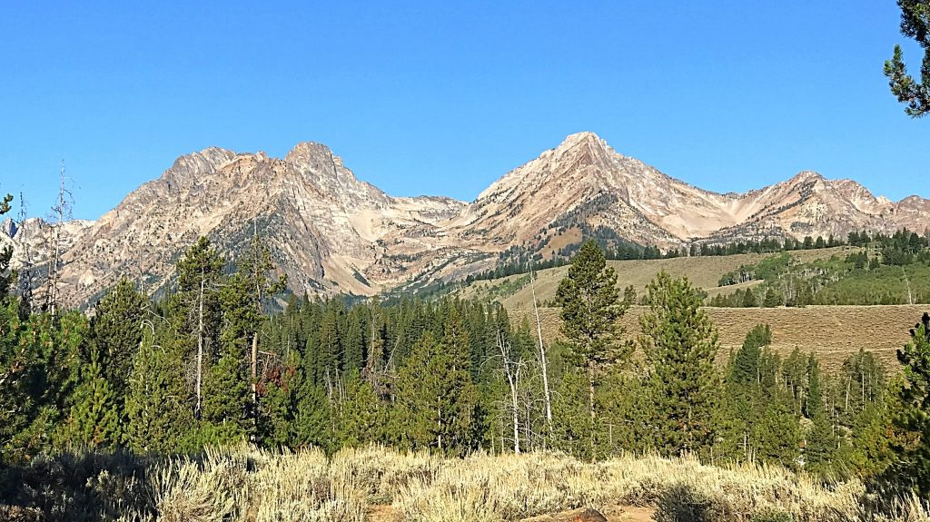Mickeys Spire and Thompson Peak bunched together on the left and Williams Peak on the right.