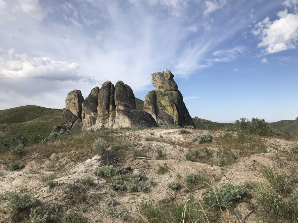 There are lots of granite outcrops along FS-500.