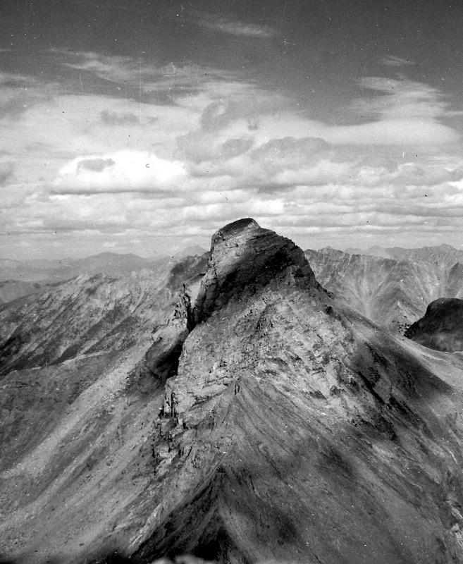 The west northwest side of Hyndman Peak. Evilio Echevarria Photo
