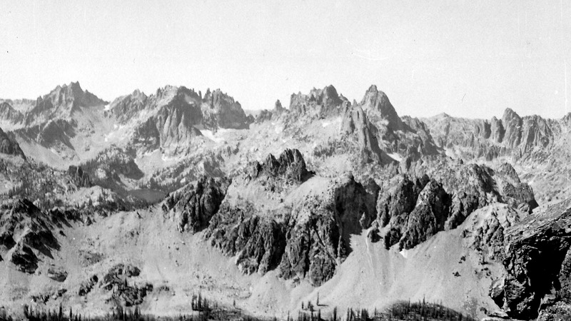 A panorama from Packrat Peak on the left, Monte Verita and then Warbonnett Peak. Evilio Echevarria Photo