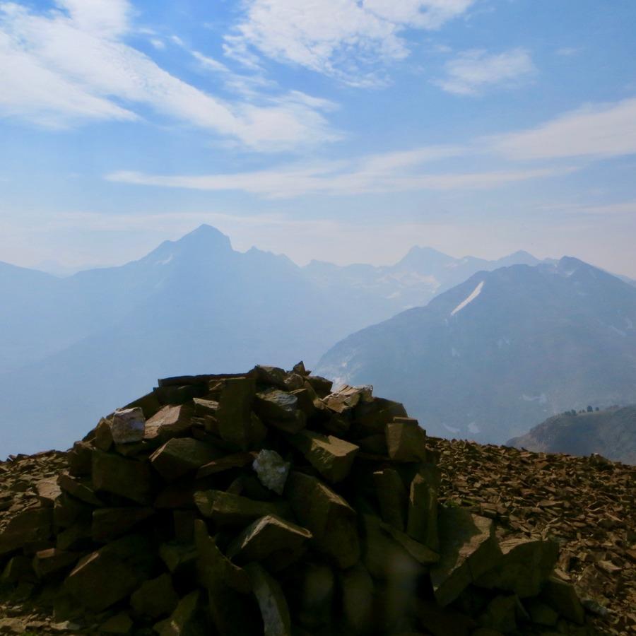 Summit Cairin, Phi Kappa Mountain. Steve Mandella photo.