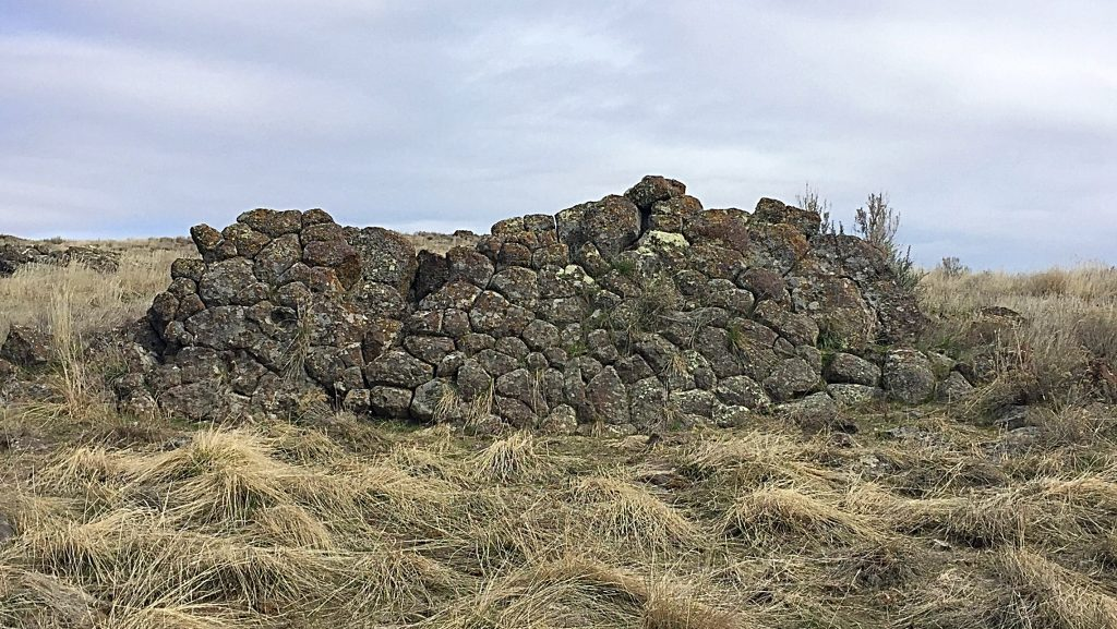 A volcanic wall built by nature mimicking the finest work of the Incas.