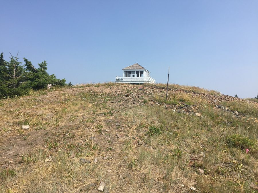 Kellogg Peak's summit and retired Forest Service lookout.