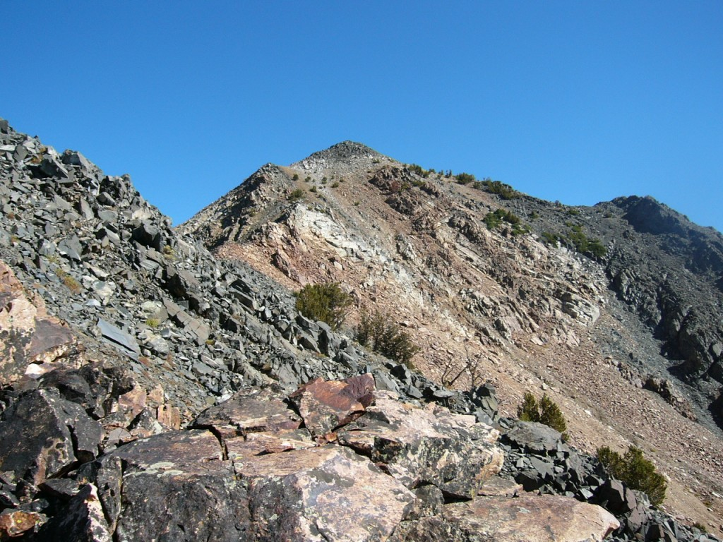 The final ridge leading to the summit.
