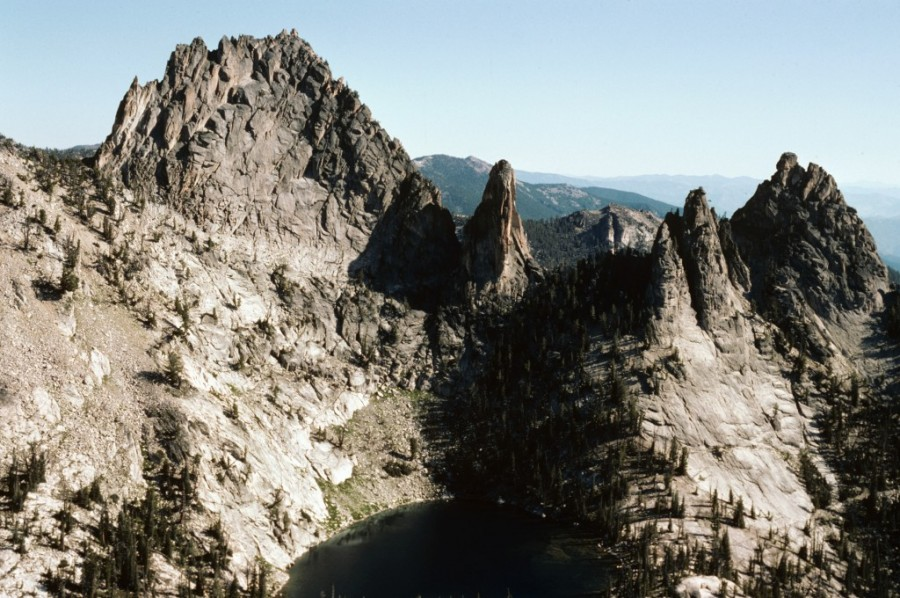 Knuckle Peak from Ramskull Peak.