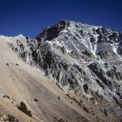 Mount Idaho's standard rute climbs to the skyline ridge, follows the ridge until a ledge leads out on to the west face.