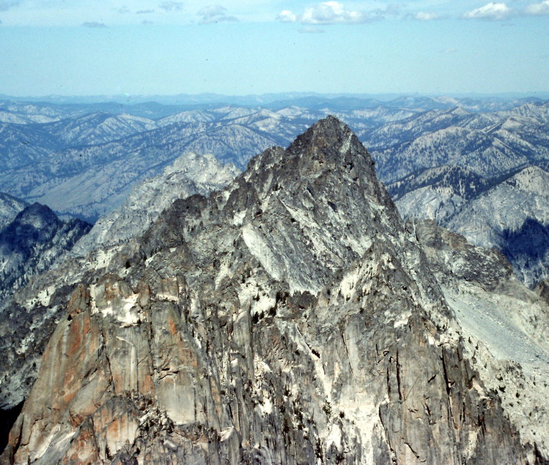 Tohobit Peak from the summit of Warbonnett Peak.
