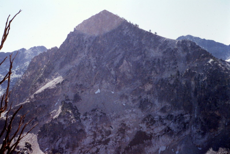 Mount Everly from Queens Pass.