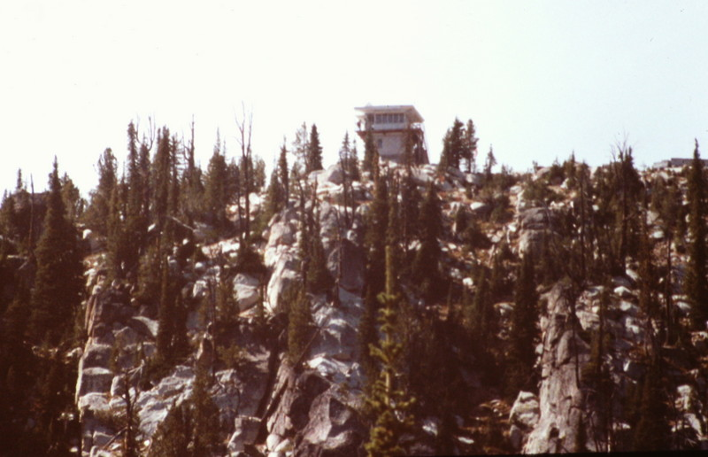 A closer view of the Thinder Mountain lookout from the trail.