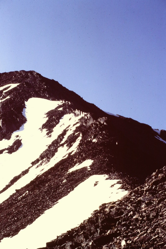 The route then follows the ridge to the summit.