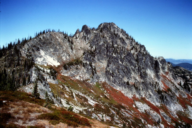 While not ever peak in this area is spectacular, peaks like Chimney Peak are among the state's finest summits.