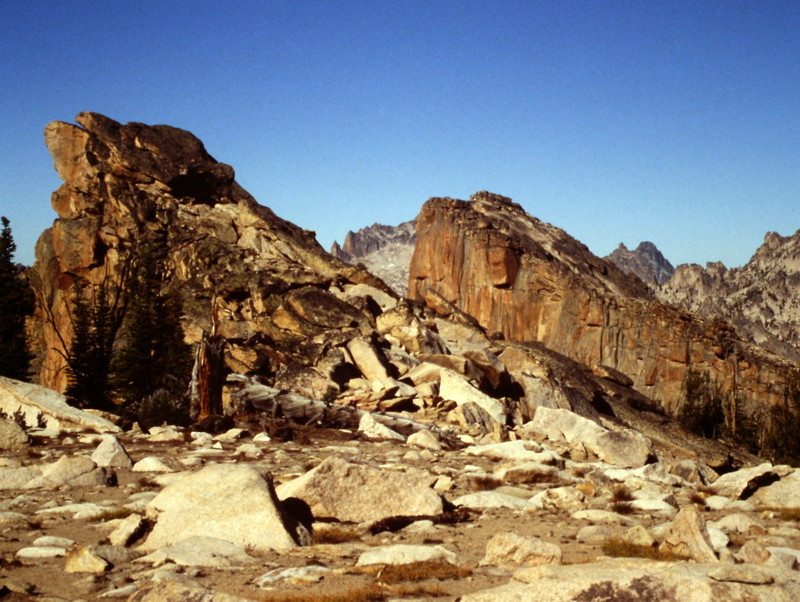 The Elephant Perch's summit area is a unique spot, unlike any other Sawtooth summit.