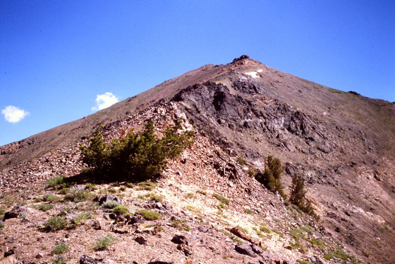 The final section up the peak's west ridge.