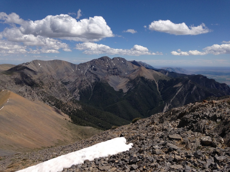 The view down the crest to North and South Twin, Red Cone and Jaggle.