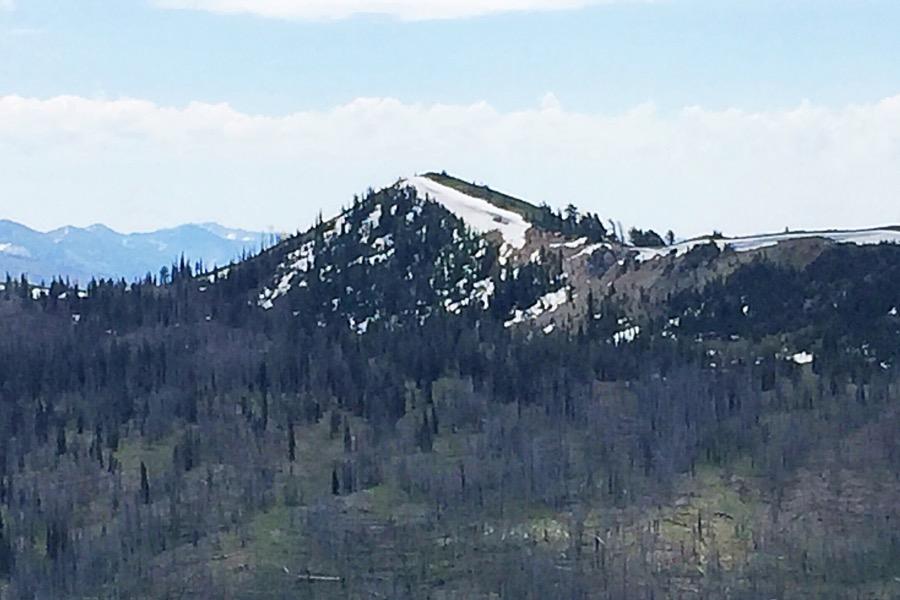 Peak 8498 from Peak 8340.
