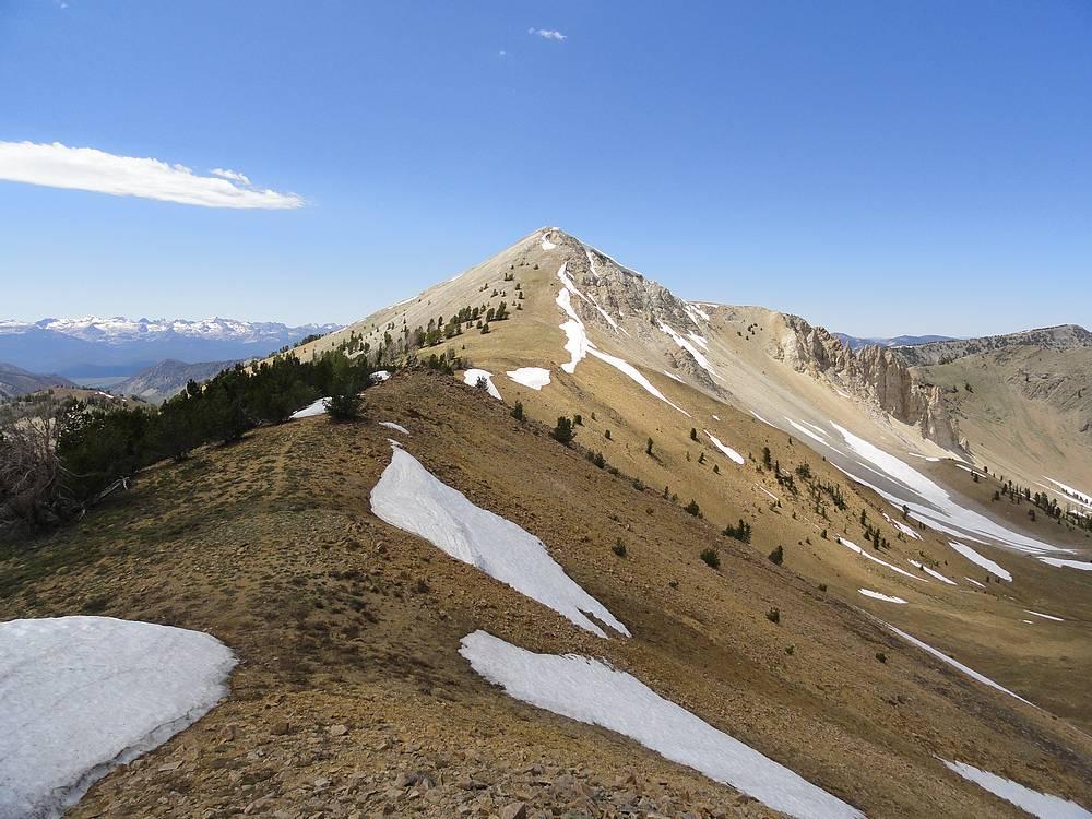 Hiking the ridge toward the summit. Dave Pahlas Photo