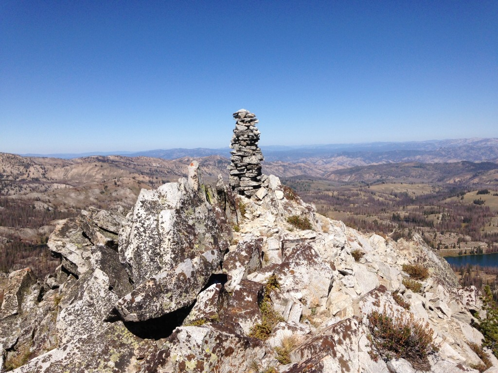 There is a second, twin cairn hiding behind this one.