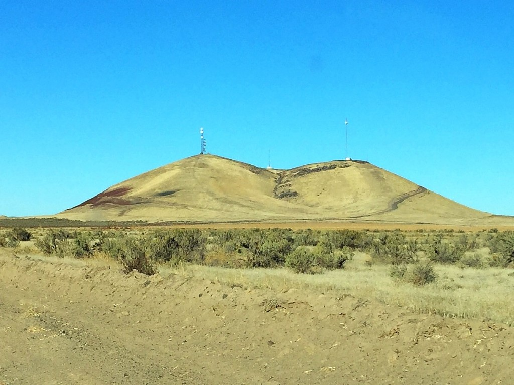Cinder Cone Butte from Simco Road.