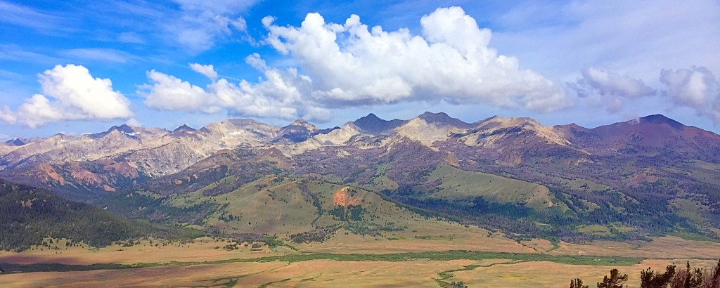 The eastern love of the range is bordered by Copper,Basin, a remote high mountain valley. This view is from the Lake Creek CG of the main crest from the Fin on the left to Big Black Dome on the right.