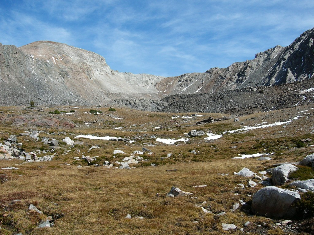 The long approach leads to this pleasing high country.